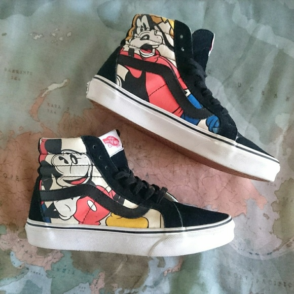 6dd05d4964 Disney x Vans Sk8 hi high tops sneakers Mickey. M 5bc92cb6c89e1dbfd0571f53
